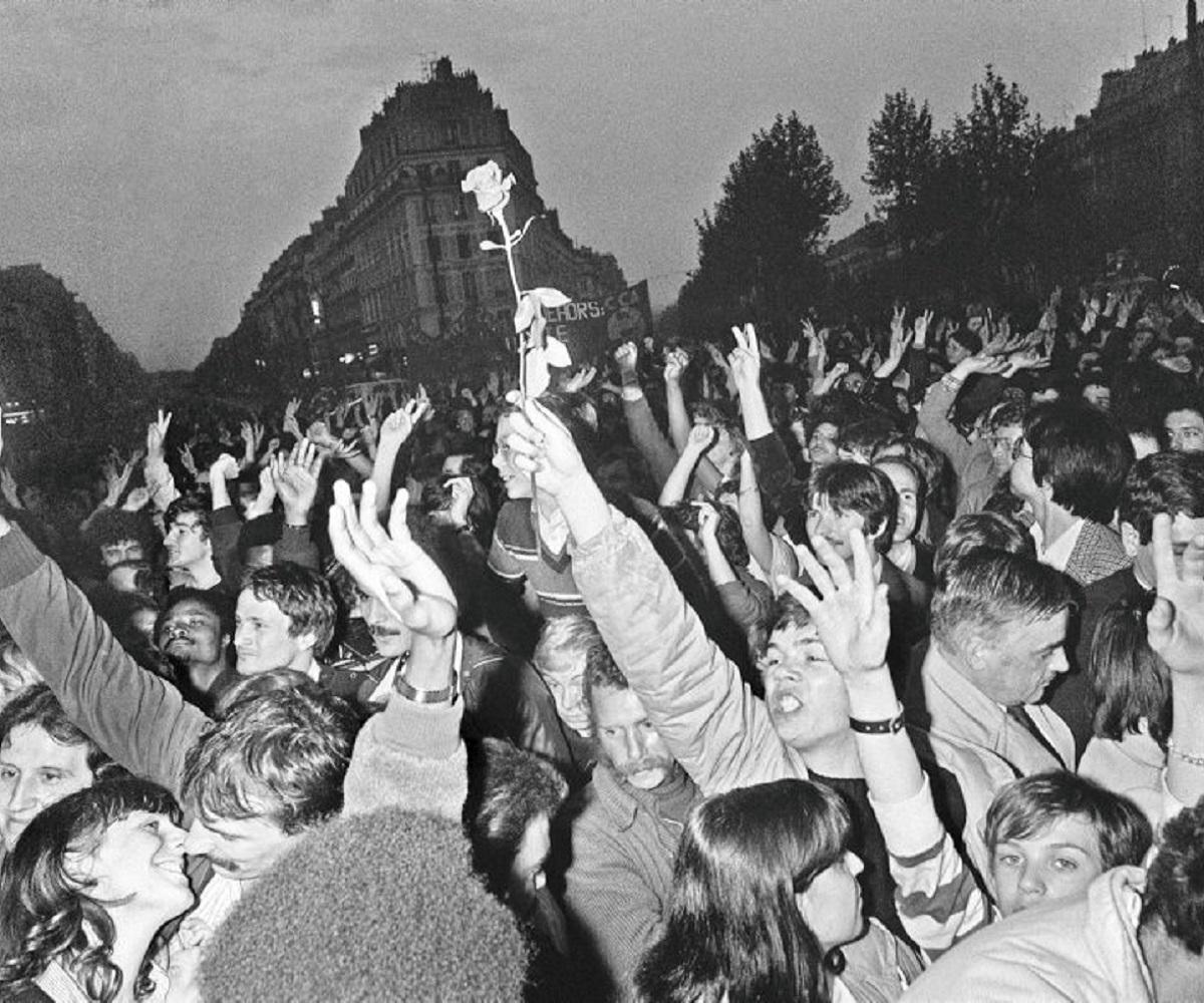 Fête à la Bastille après l'élection de François Mitterrand à la présidence de la République le 10 mai 1981. AFP/Dominique Faguet